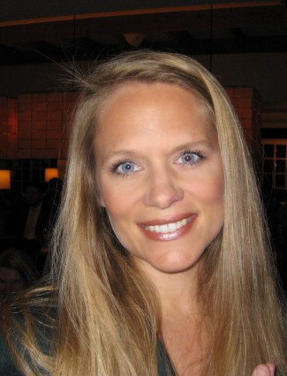 Headshot of Julie Sindel.